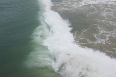 Wave Crashes Right